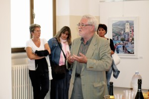 Il prof. silvano Valentini presenta le opere