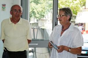 Giuseppe Gironi Presidente del fotogruppo Effeotto e la scrittrice genovese Franca Oberti
