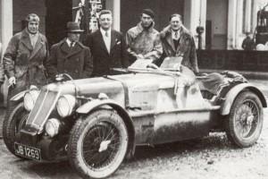 Il Conte Lurani Cernuschi in compagnia di Tazio Nuvolari, Enzo Ferrari, Lord Howe  e George Eyston