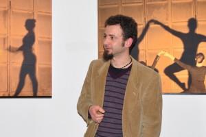 L'artista presenta le sue opere