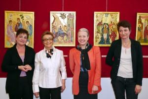 Ivana Ripamonti, Cesira Boniotti e Donatella Mapelli con il Sindaco