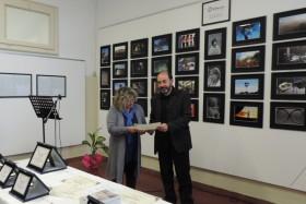 Giancarlo Sala premia Ivana Cerchi