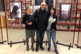 Il sindaco Giovanna De Capitani e il Presidente del fotogruppo Giuseppe Gironi con Valentina Pizzalis